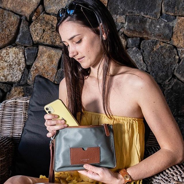 Pochette zippée en nylon-cuir